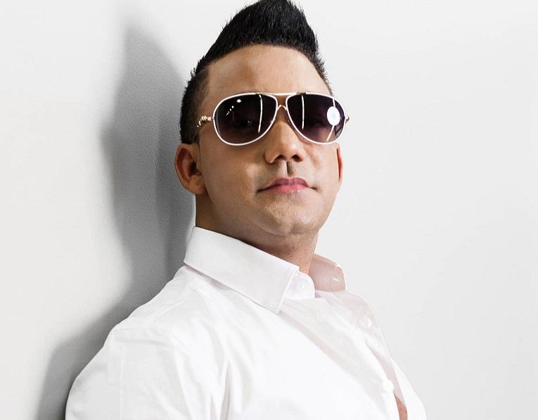 Image result for Cantante Elvis Martínez
